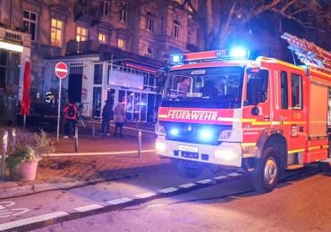 Elektrokasten in Flammen - Feuerwehr kommt gerade noch rechtzeitig