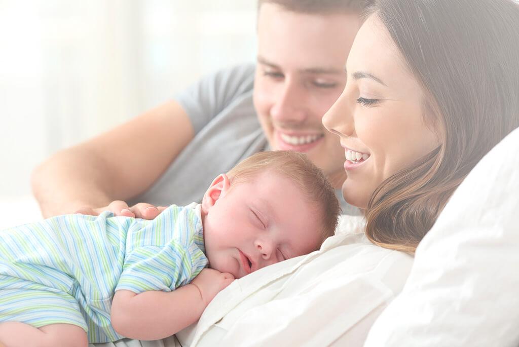 Lactancia paterna y permisos de maternidad