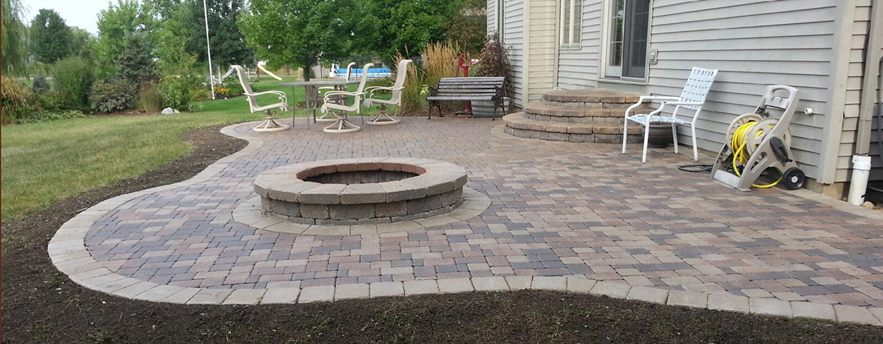 it cost to build a paver patio