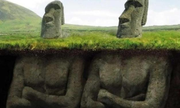 Slavné sochy Velikonočního ostrova nemají jen hlavy, ale celá těla