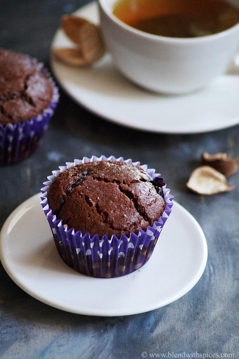 Eggless Wheat Chocolate Blueberry Muffins Recipe {Video}
