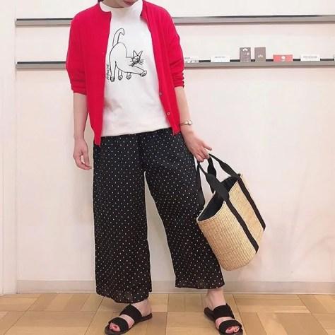 ..cardigan...#yarra tee shirt...#harvesty bottoms...#soilbag...#LUEUF152㎝.ハーベスティのteeシャツ再入荷してます︎..営業時間 10:00〜19:00.#愛媛#松山#大街道#ehime#matsuyama#BlessofBless#セレクトショップ#19ss#今日のコーディネート#お洒落さんと繋がりたい - from Instagram