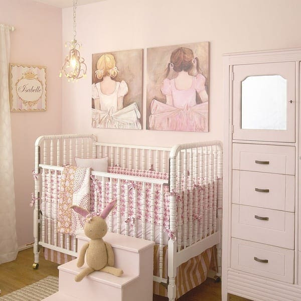 I have the art work on order, if I could only find similar bedding for my sweet baby Madeline!