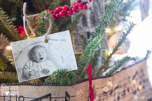 Bless'er House | Cheap Christmas Ornaments: Hang old photos for a family album tree