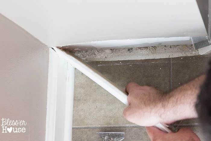 The DIY Newbie's Guide to Removing Baseboards | Bless'er House - Good to know for future reference!