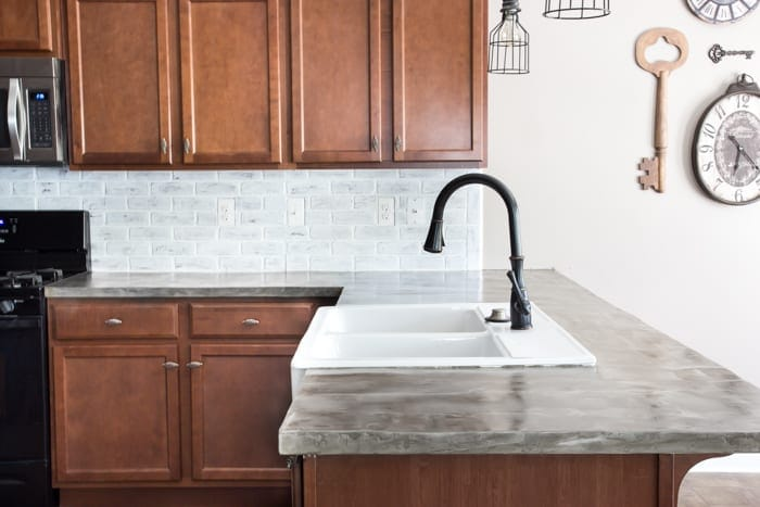 Charmant DIY Feather Finish Concrete Countertops