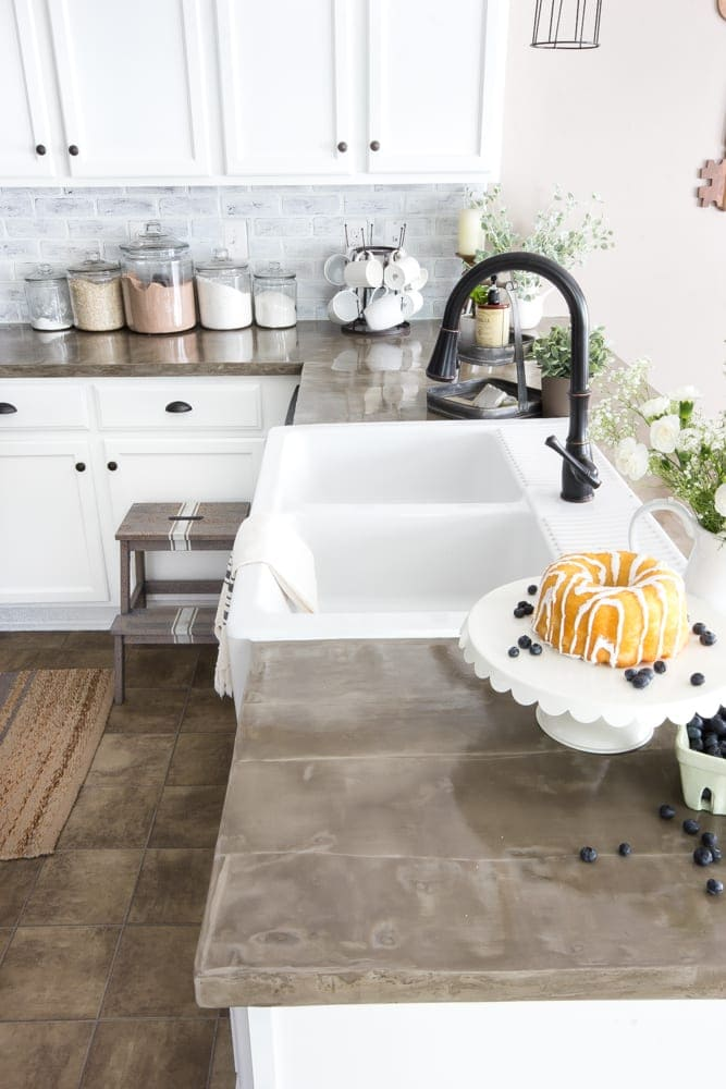 The Good, Bad and Ugly of Concrete Countertops - Bless'er ... on Farmhouse Countertops  id=59731