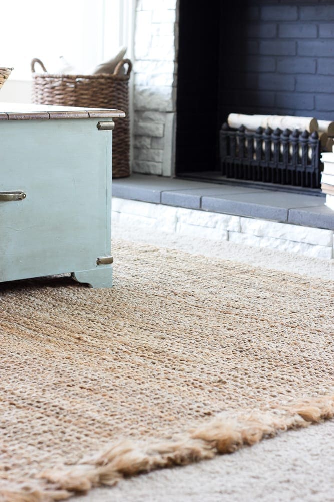 What to Know Before Buying Jute Rugs | blesserhouse.com - A totally honest review with the pros and cons for what to know before buying jute rugs along with where to buy them on a budget.