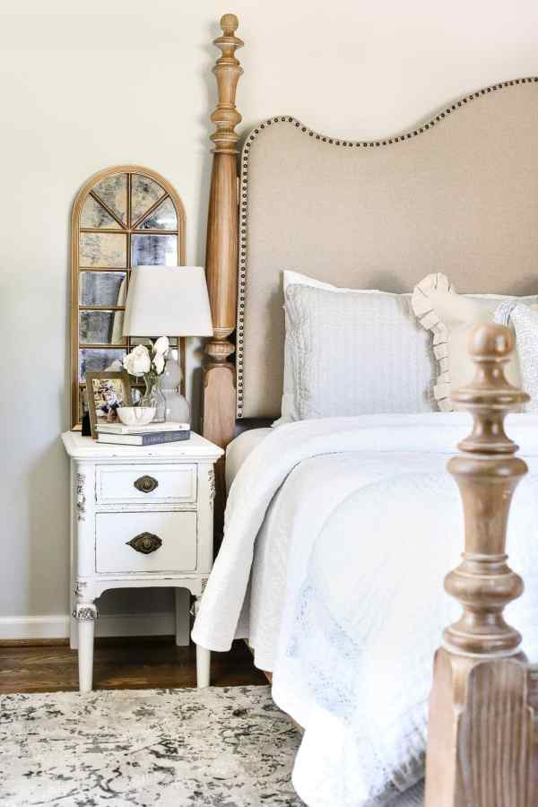 Tried and true ways to decorate and refresh your home completely for free (and maybe even make a little money in the process). #decorating #homedecor #budgetdecor Master bedroom