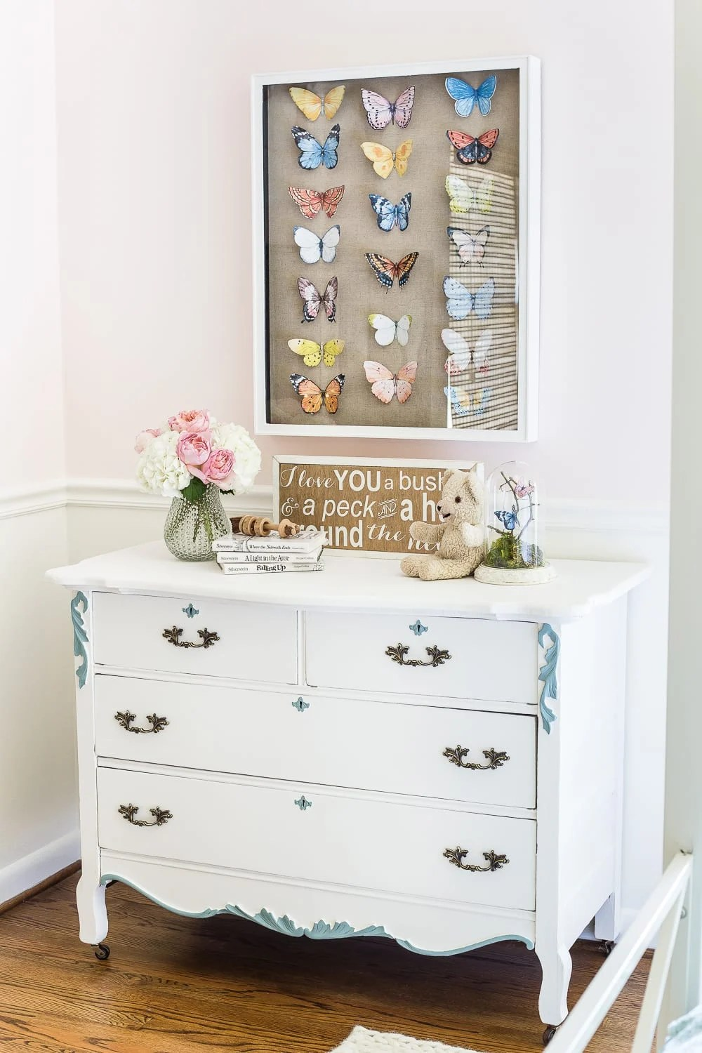A French dresser gets a fresh, youthful white and aqua makeover with Fusion Mineral Paint Casement and Heirloom. #furnituremakeover #frenchdresser #kidsroom #kidsdecor #girlbedroom #furniture #fusionmineralpaint #furniturepaint