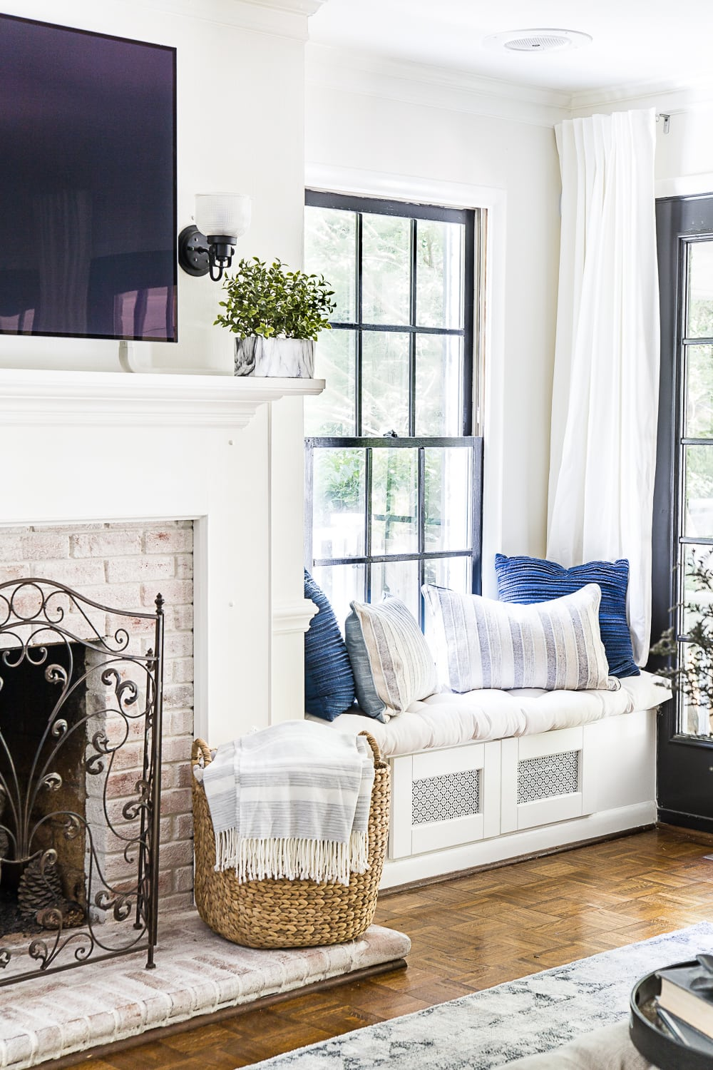 How To Make A Small Room Look Bigger Blesser House