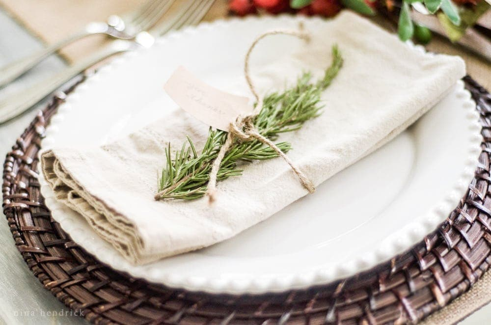5 Ideas for Creative Thanksgiving Entertaining | Rosemary and Twine Place Setting