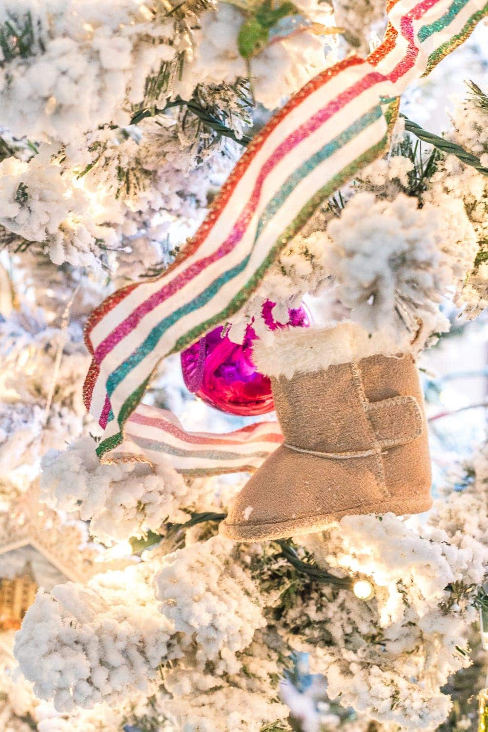 Thrifty Christmas decorating idea: place baby shoes in tree as memorable ornaments