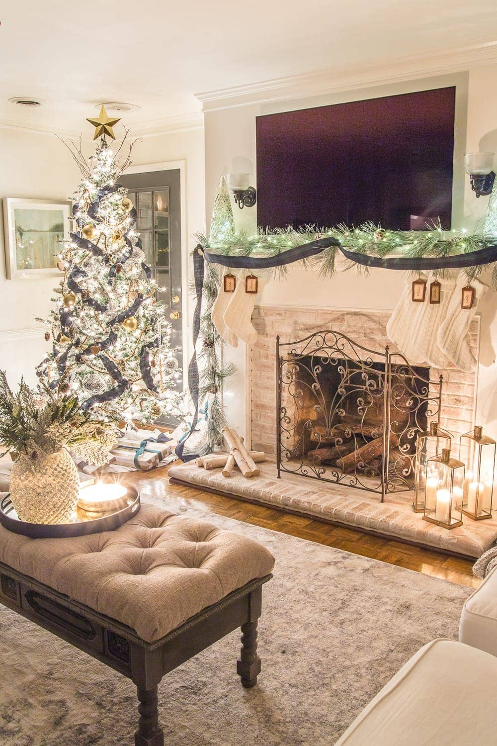 Christmas Candlelight Night Tour | Living Room and Fireplace