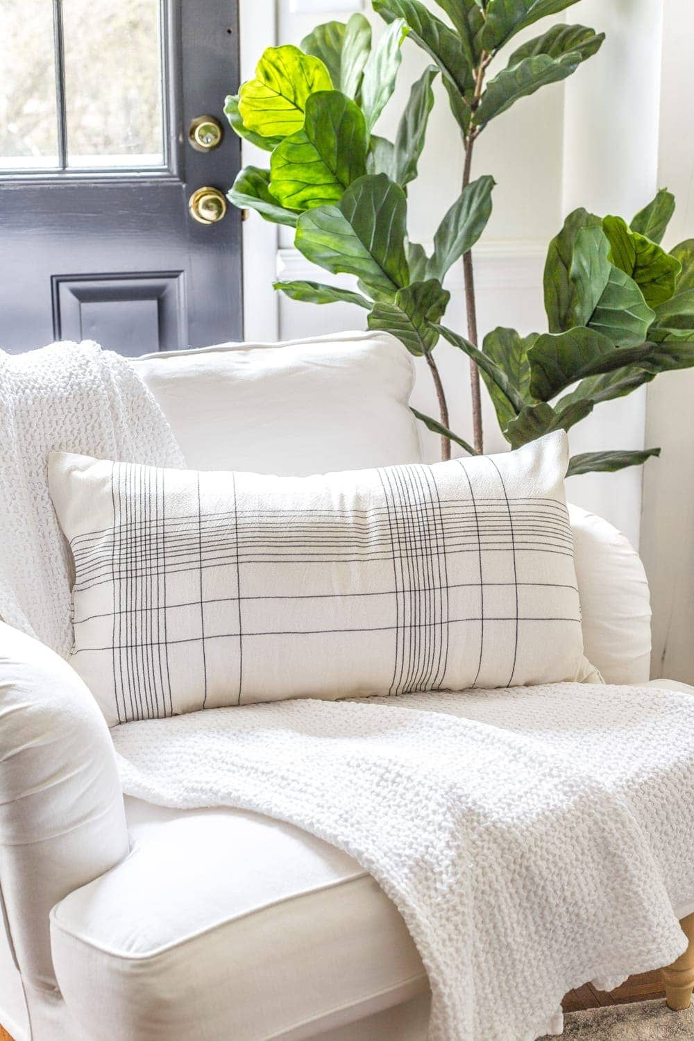 3 items you can repurpose into DIY no-sew throw pillows   How to make a throw pillow from a kitchen towel.
