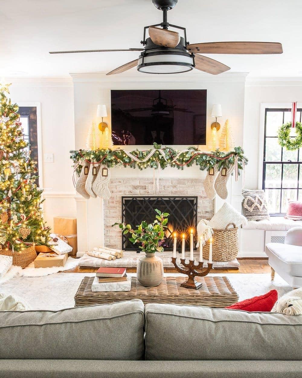 Christmas decor ideas | Christmas mantel with TV and living room