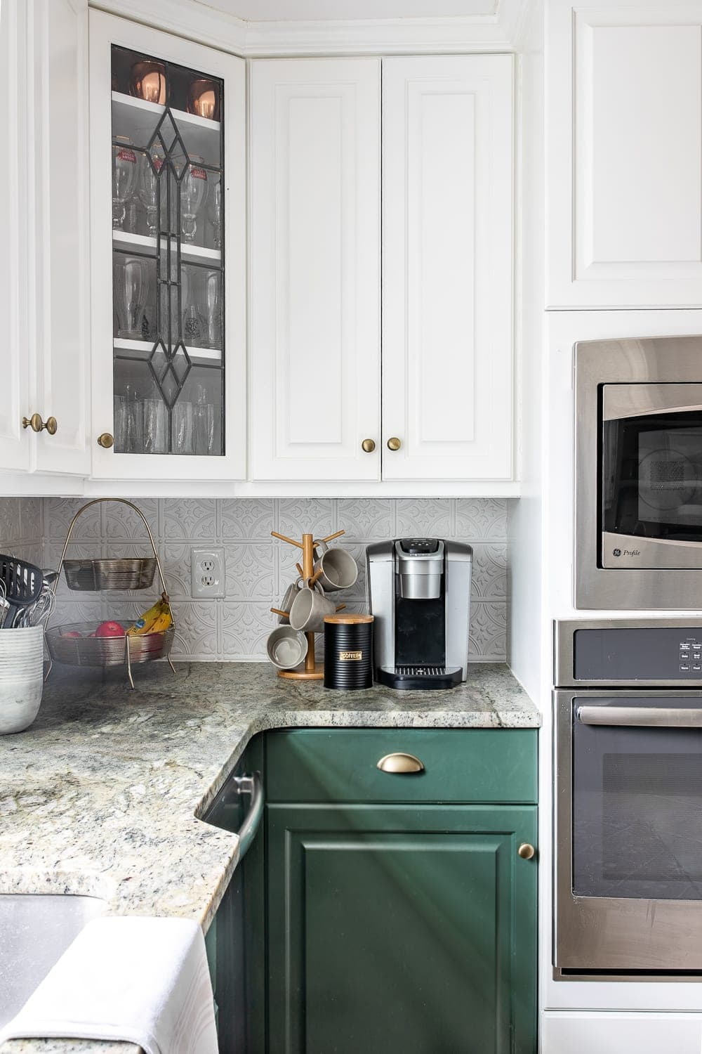 Simplified Decorating: How to Decorate Kitchen Countertops ... on Kitchen Countertop Decor  id=12021