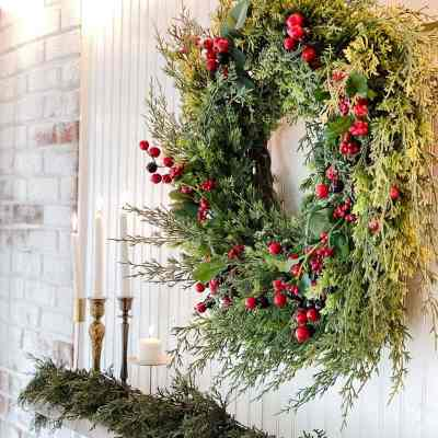 Simple Christmas Mantel Decor and Outdoor Faux Fireplace