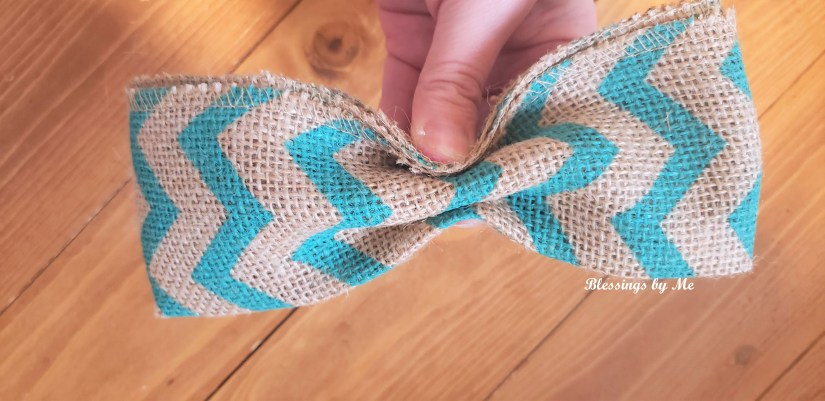 Making the burlap bunny bow