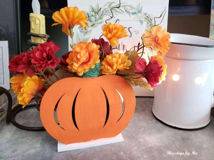 Decorated 2-in-1 pumpkin decor