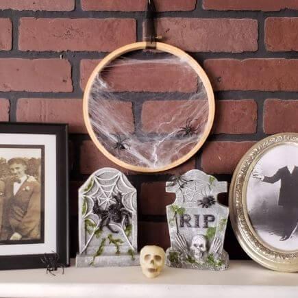 Cobweb Wreath Halloween Decoration