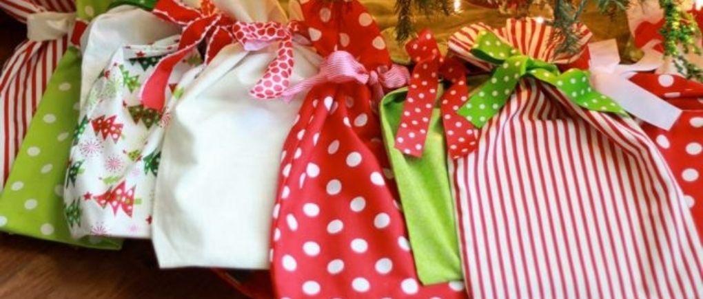 Money-Saving Christmas Tips: Use Fabric Wrapping Paper