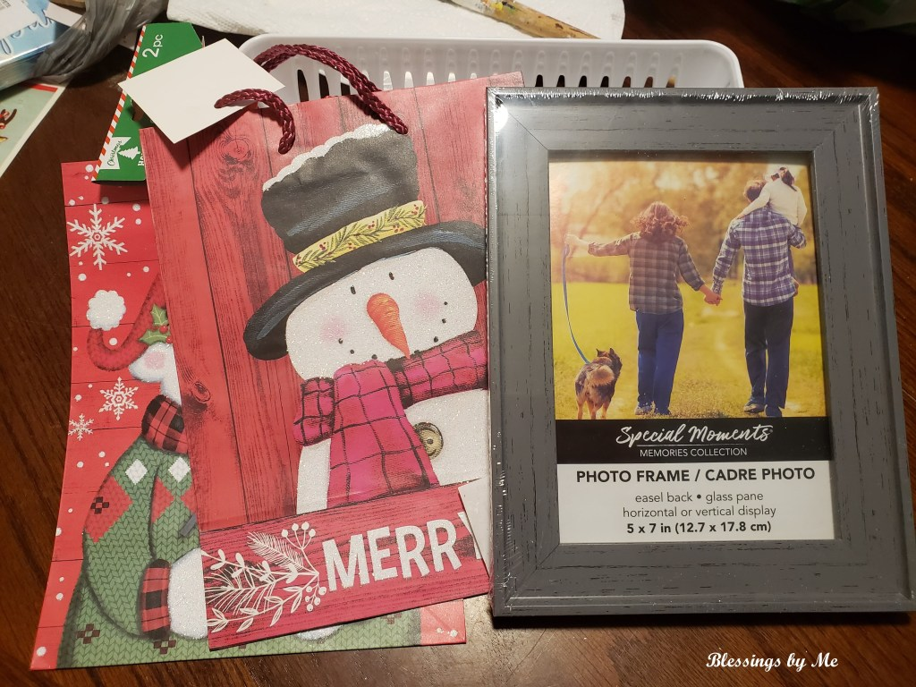 materials needed for snowman picture frame