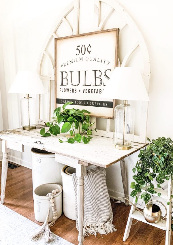 Cottage Style Spring Entryway