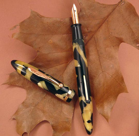 Sheaffer 5-30 Balance fountain pen in pearl and black.