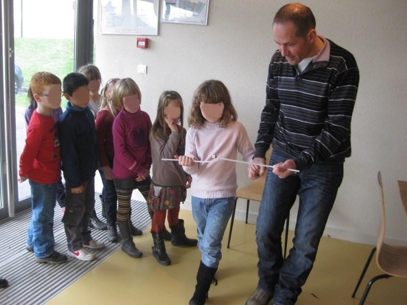 atelier du sourcier avec les enfants