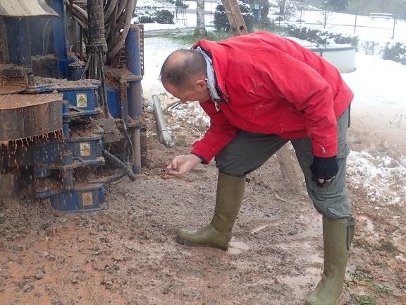 forage réalisé dans les Vosges, situé en Lorraine avec la participation de l'expert sourcier Philippe Wojtowicz