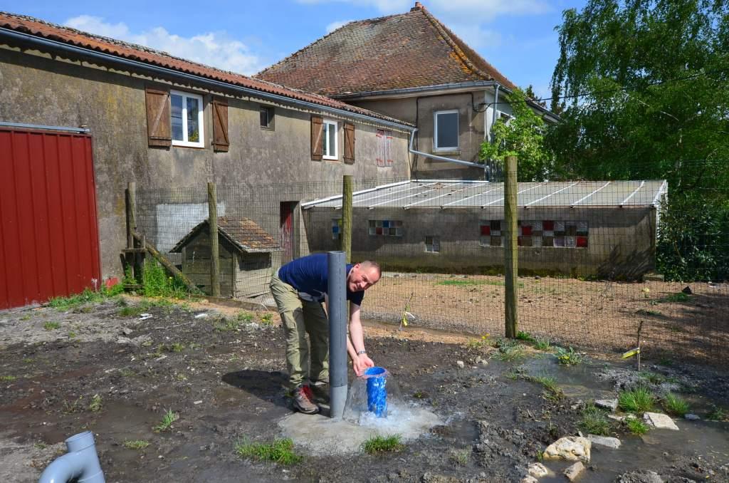 forage réalisé en Moselle, situé en Lorraine avec la participation de l'expert sourcier Philippe Wojtowicz