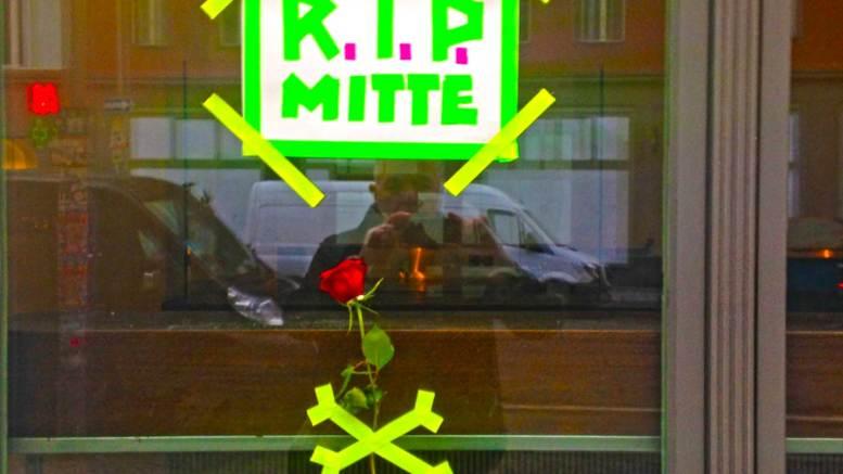 Game over man! Das Café Caras in Berlin-MItte muss schliessen