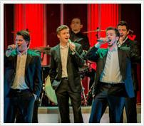 Eine Boygroup, die Jung und Alt vereint: die 12 Tenöre im Sauerlandtheater