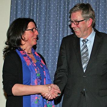 Sunderns neue FDP-Vorsitzende Dorothee Thiele und ihr Vorgänger und neuer Ehrenvorsitzender Hans-Werner Ehrenberg. (Foto: FDP Sundern)