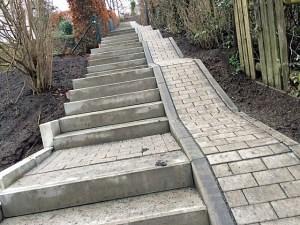 Nach Instandsetzung wider nutzbar: Die Treppe zwischen Gartenstraße und Teckelsberg. (Foto: CDU)