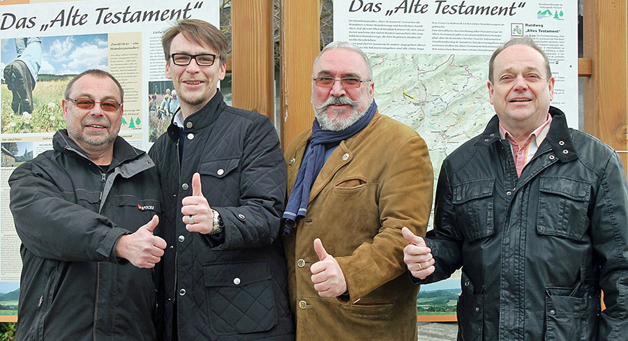 Optimistisch: Die SPD-Kandidaten im Alten Testament v. l. Udo Hoffmann, Friedrich Schäfer, Manfred  Bruchhage und jens Kunen. (Foto: SPD)
