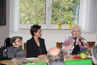 Sigrid Beer (r.) , Verena Verspohl und raul Krauthausen. (Foto. TSL)