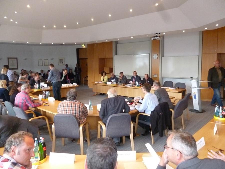 Im Rat: Flüchtlinge, Stadtmarketing und Neues vom Ferienpark