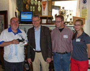 Im Schießsportzentrum der Bürgerschützen: v.l.n.r.  Ulrich Eichstädt, Peter Erb, Detlef Gregori, Lara Stahl. (Foto: Michael Kneer)
