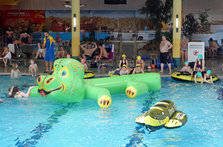 Sparkassen-Pool-Party im Nass garantiert gute Laune