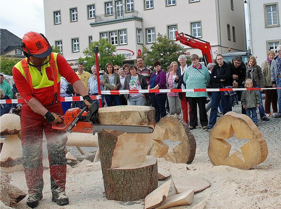 """3. Holzmarkt Arnsberg mit Schwerpunkt """"Bauen mit Holz"""""""