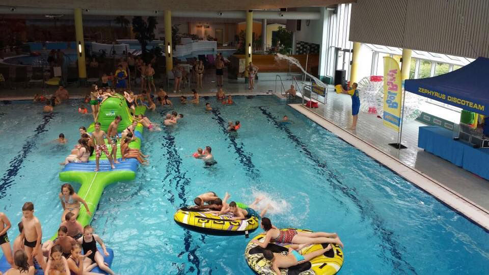 Pool-Party im NASS