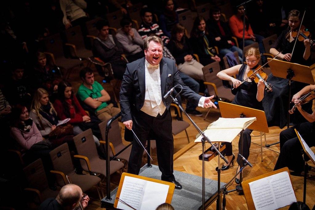 """Interview mit Dirigent Ingo Ernst Reihl: """"Das tut dem Ort gut, aber es tut auch der Musik gut"""""""