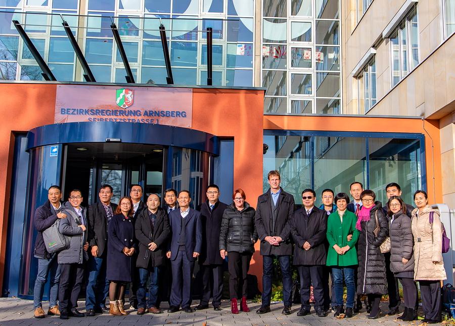 Chinesische Delegation zu Gast bei der Bezirksregierung
