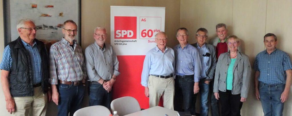 Franz Müntefering diskutiert mit AG 60plus über das Alter
