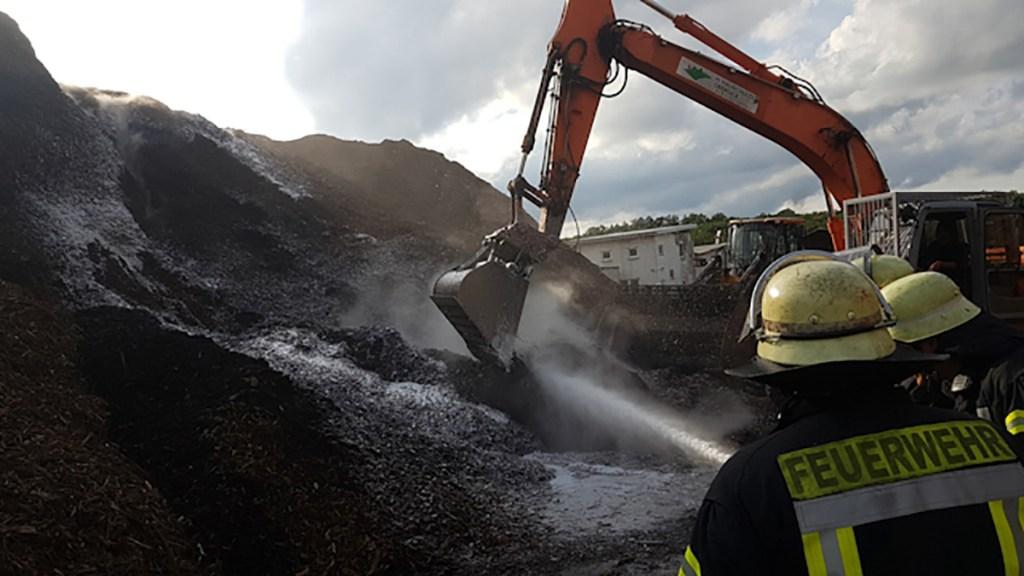 28.000 Kubikmeter: Holzhackschnitzel in Voßwinkel brennen