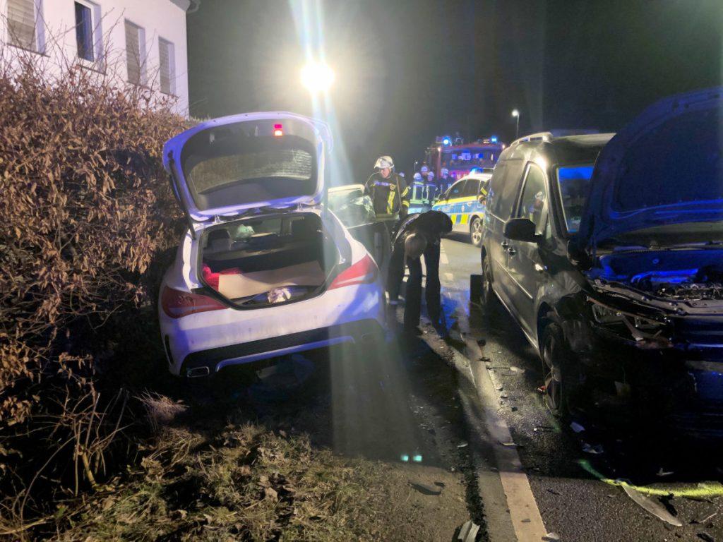 Polizistinnen retten Unfallfahrer das Leben – Vollsperrung letzte Nacht in Sundern-Stemel