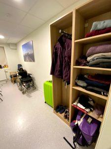 Oversiktsbilde av et av rommene på Vikersund kurbad.