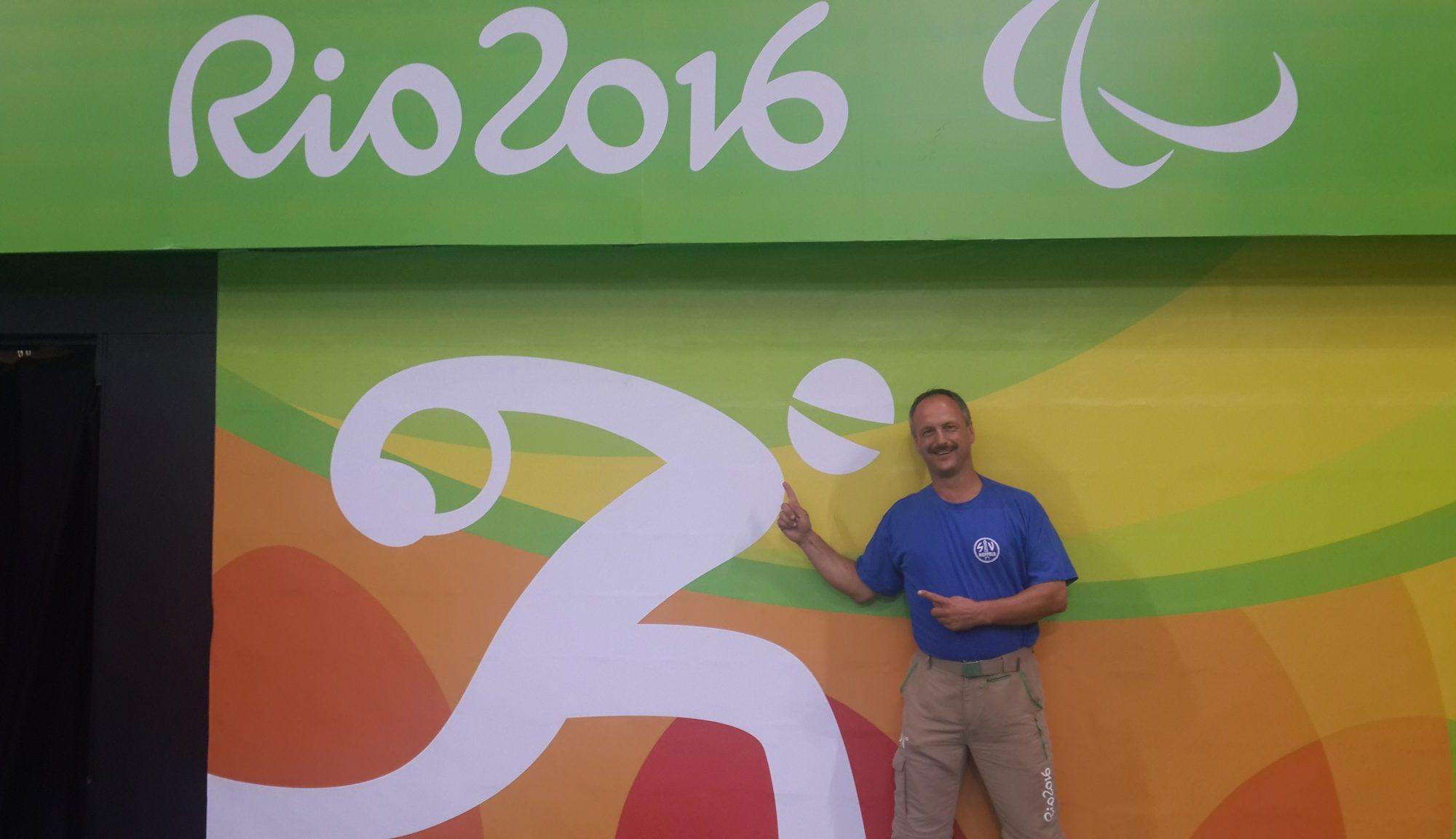 Alexander Knecht von dem Symbol (Piktogramm) für Goalball bei den Paralympics in Rio 2016